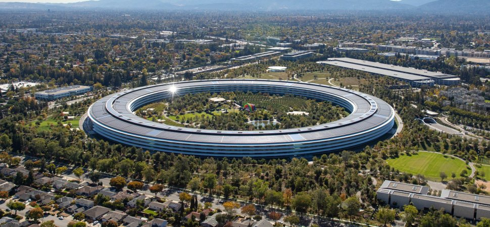apple's-a-ways-away-work-policy-is-a-grisly-concept.-right-here-is-why