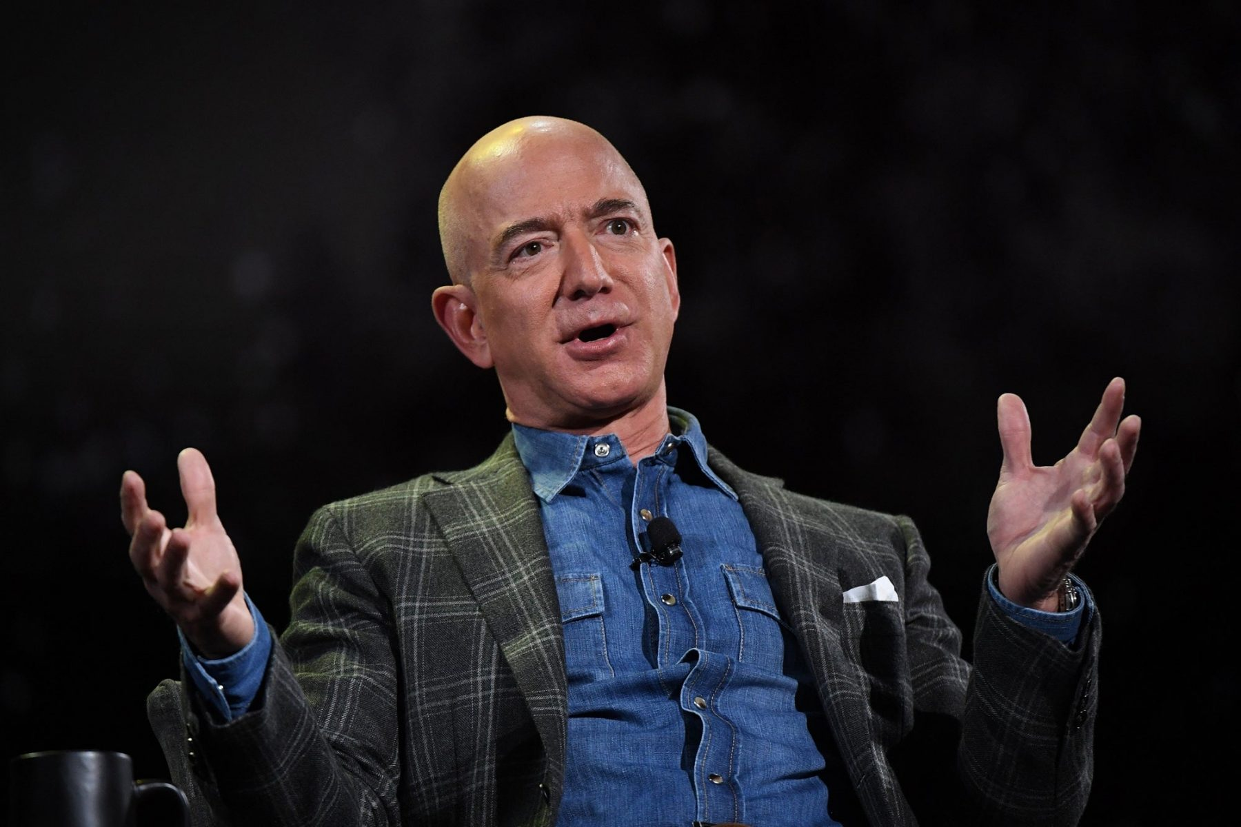 how-a-bizarre-deal-jeff-bezos-made-15-years-ago-inspired-me-to-future-proof-my-company