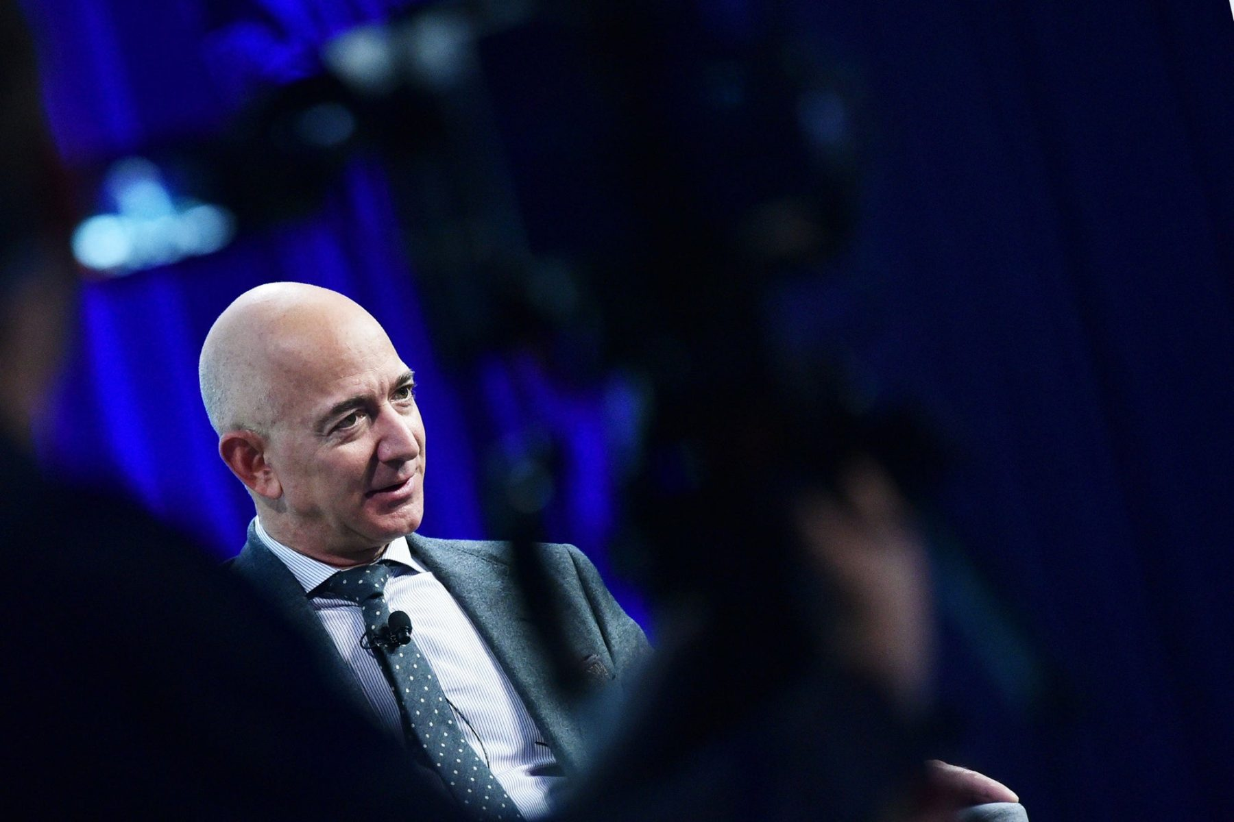 bezos-takes-space-battle-against-musk-to-court,-musk-slams-bezos'-technology:-'the-first-thing-you'd-want-to-do-is-cancel-it'
