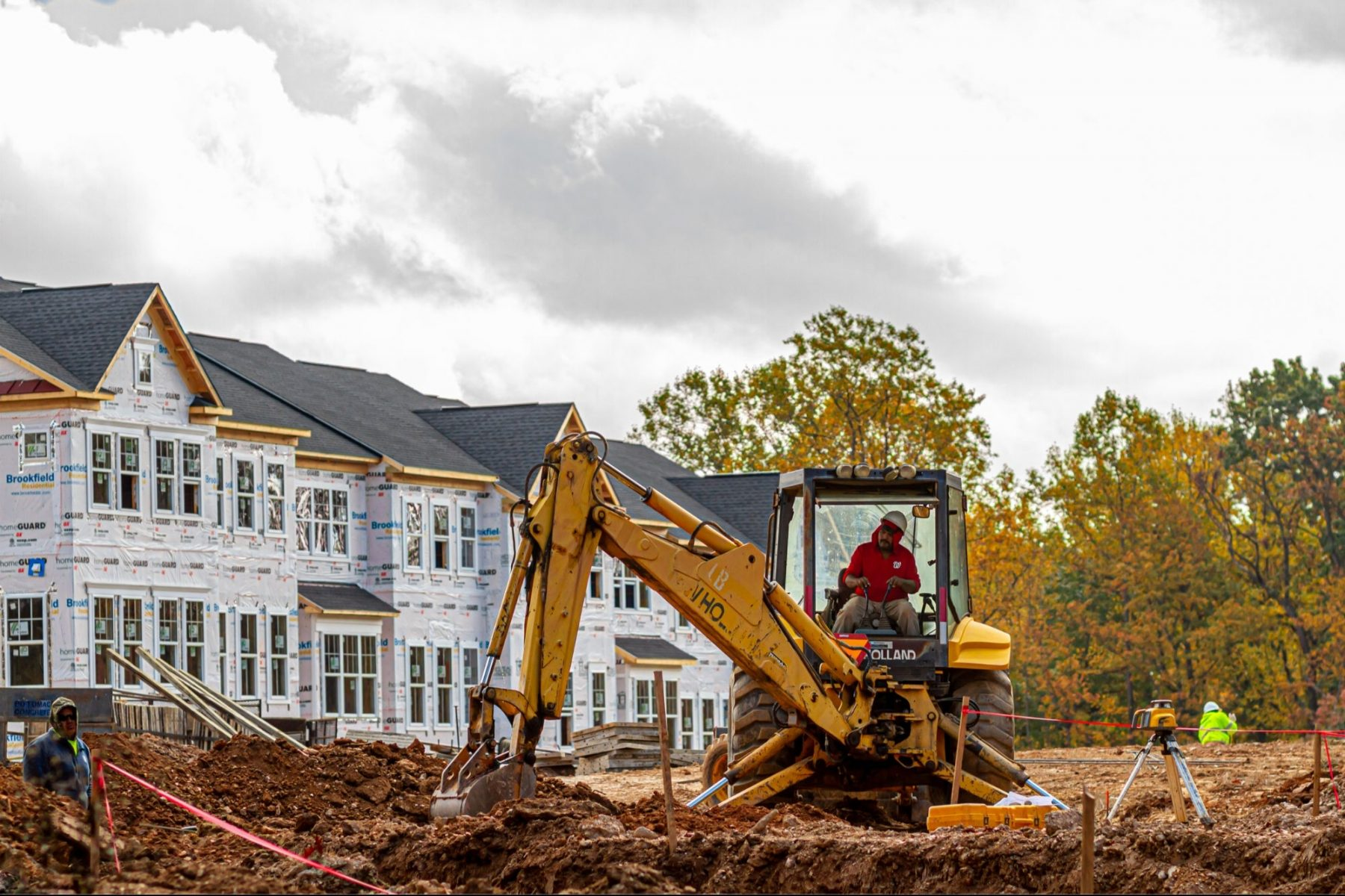 homebuilder-confidence-drops-to-13-month-low-on-high-material-costs-and-surging-home-prices