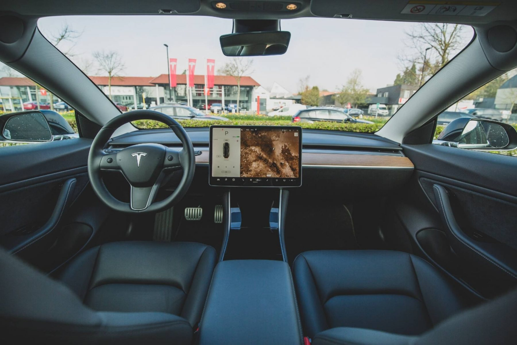 the-united-states-to-investigate-tesla's-'autopilot'-system-after-11-accidents