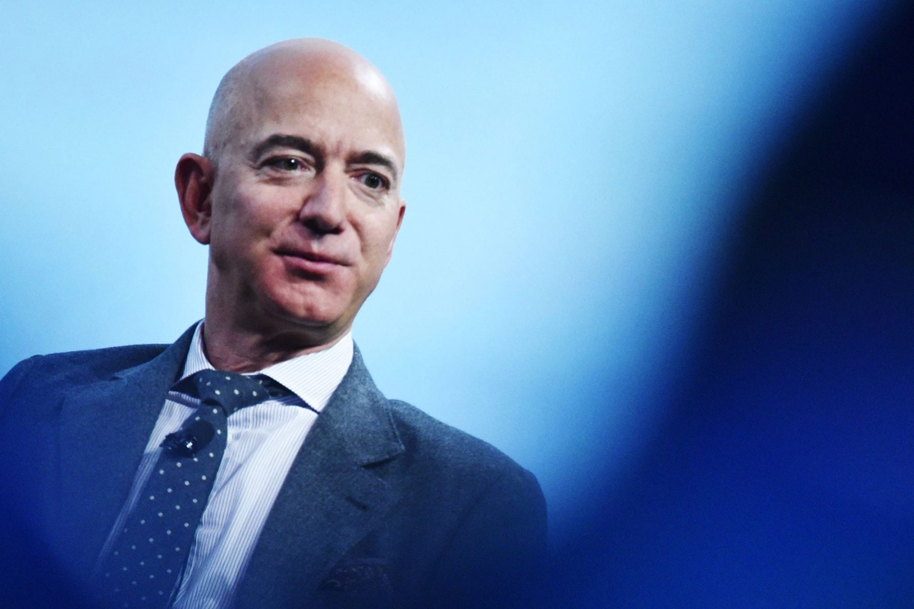 jeff-bezos-reportedly-now-owns-$119-million-worth-of-real-estate-in-a-single-building-in-new-york-city