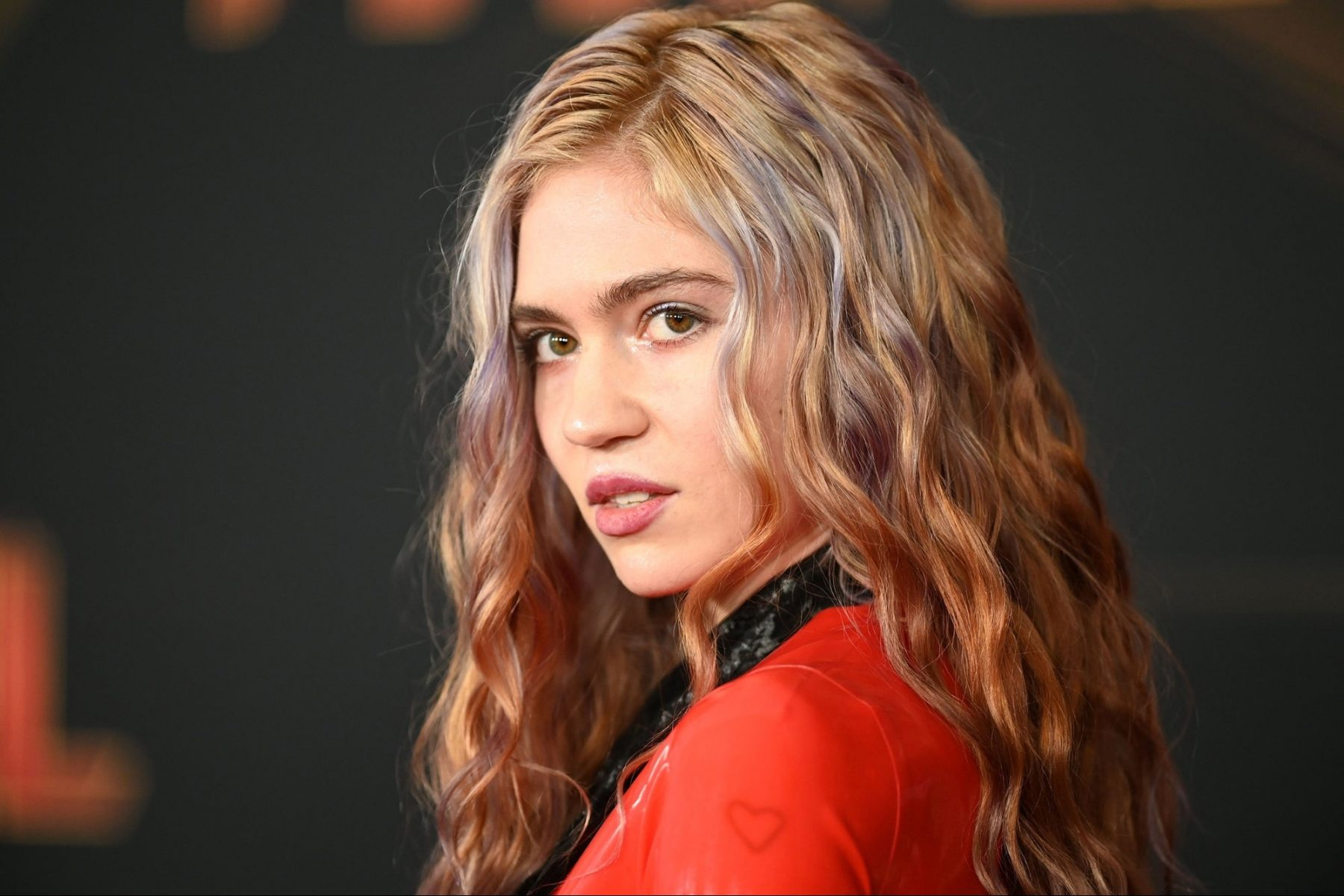 grimes-shares-rare-video-of-her-and-elon-musk's-son