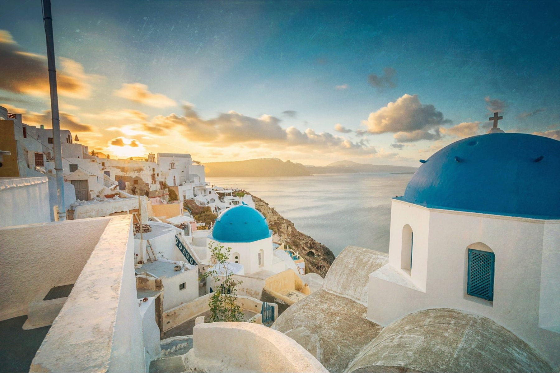 i'm-working-10-hours-a-week-while-i-travel-through-greece-for-3-months.-here's-how-i-prepared-to-take-this-break-from-my-business
